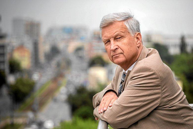 Piotr Kuczyński, do niedawna główny analityk należącego do Pekao DI Xelion. Za krytykę demontażu OFE stracił pracę