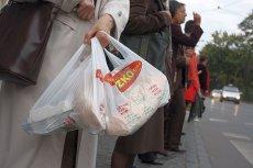 Statystyczny Polak zużywa 250 – 300 toreb foliowych rocznie.