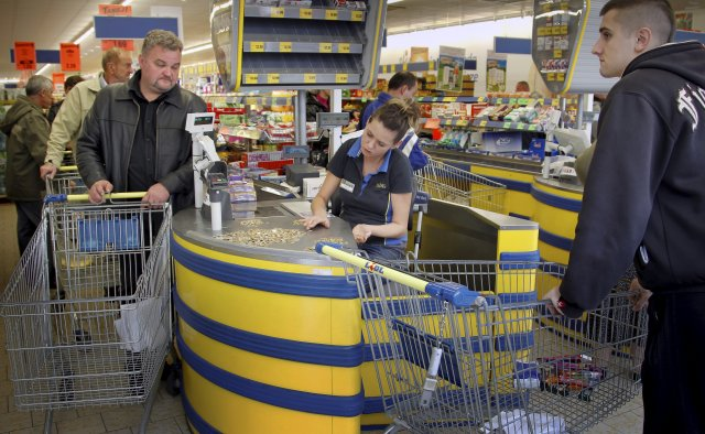 Okazuje, że ceny produktów spożywczych są o wiele niższe w brytyjskim Lidlu niż w polskim