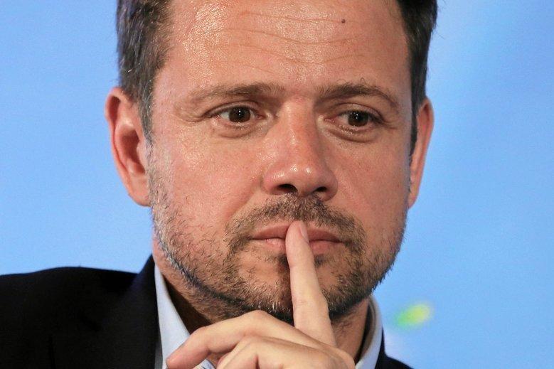 Rafał Trzaskowski, nowy prezydent Warszawy, twierdzi, że PiS chce zrobić z Warszawy drugi Neapol.