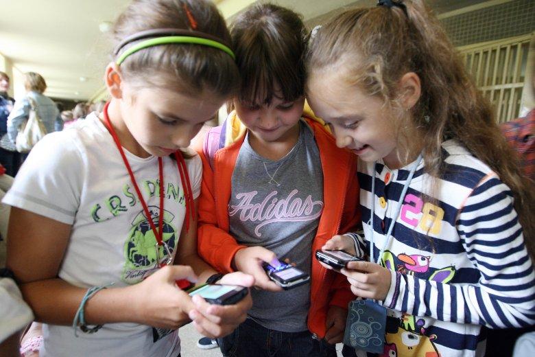 We Francji wprowadzono zakaz używania telefonów komórkowych w szkołach
