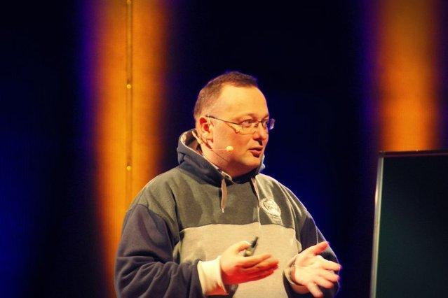 Dr Kamil Kulesza.