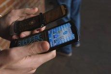 Nowa Motorola Razr (z przodu) to nowa odsłona kultowej metalowej Razr V3.