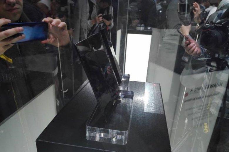 Huawei Mate X szokuje ceną