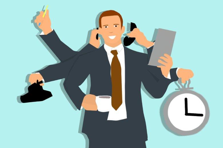 Praca PM-a to nie tylko odbieranie telefonów, odpisywanie na maile i robienie notatek ze spotkań