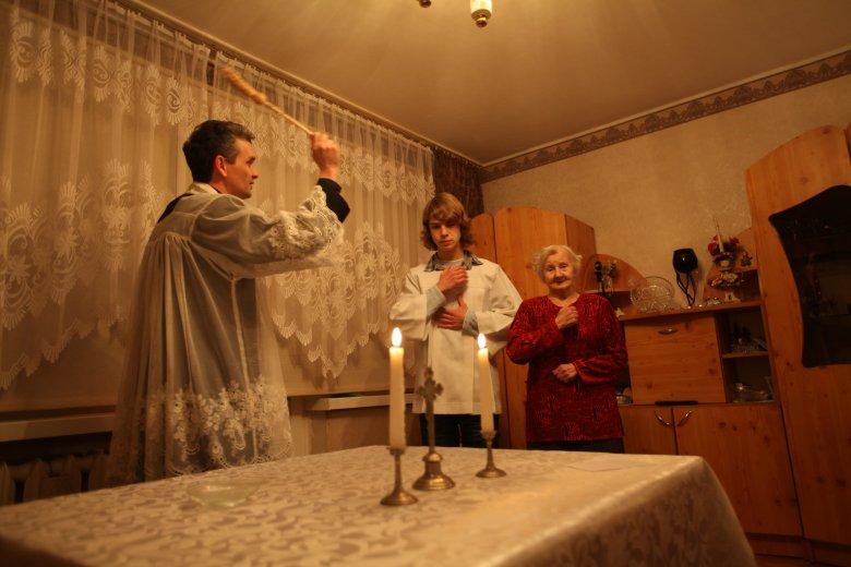 Księża mogą zbierać dane o parafianach nawet podczas wizyt duszpasterskich.