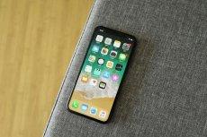 Atak na iPhone'y trwał co najmniej dwa lata. Z telefonów były wykradane m.in. dane GPS, zdjęcia i kontakty.