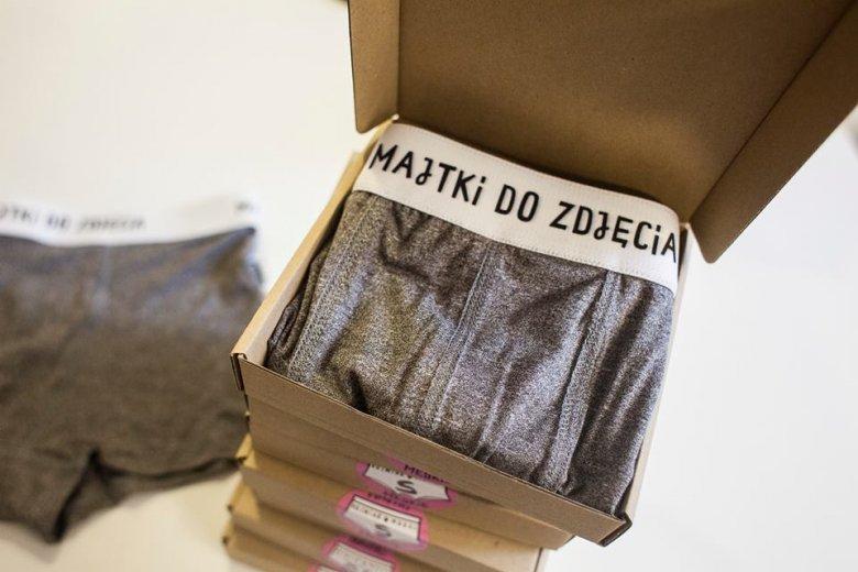 Majtki można kupić w sklepach w Katowicach i w Warszawie.