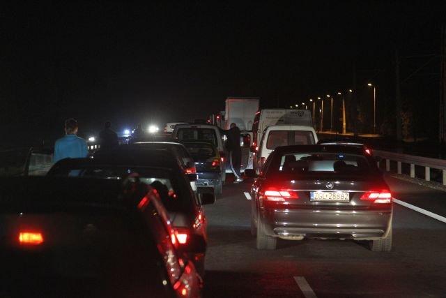 Polskie autostrady i ekspresówki to synonim korków i wypadków, szczególnie w długie, letnie weekendy.