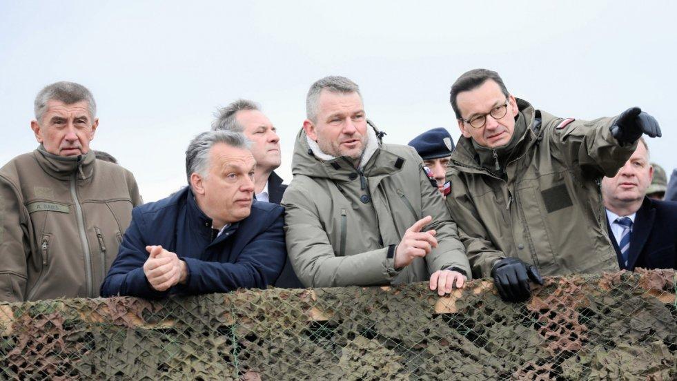 Od lewej : premier Czech Andrej Babis , premier Wegier Viktor Orban , premier Słowacji Peter Pellegrini i premier RP Mateusz Morawiecki. W badaniach atrakcyjności inwestycyjnej jesteśmy już za Czechami, a za chwilę może nas wyprzedzić Słowacja.