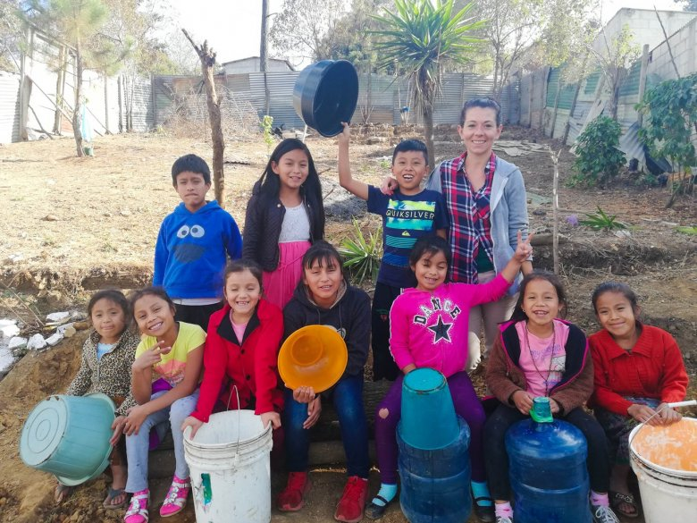 Ania i Adam swój biznes prowadzą z misją - współpracują z dyskryminowanymi Majami, wspierają wyłącznie rodzinne warsztaty, a jeden procent dochodów przeznaczają na organizację edukującą gwatemalskie dzieci.