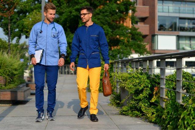 Marco Tomassi chce, by lekarze wyglądali modnie.