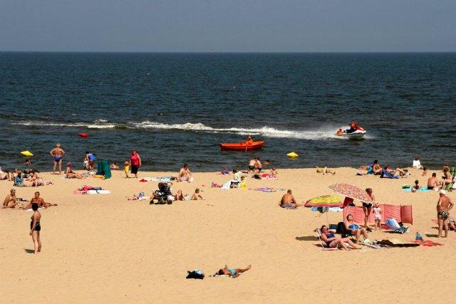 Przepisy stanowią, że kąpieliska nie można otworzyć, jeżeli nie ma na nim co najmniej dwóch ratowników