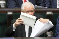Jarosław Kaczyński nie wyciągnął koperty z 10 miliardami dla emerytów. Trzynastkę sfinansowali przedsiębiorcy