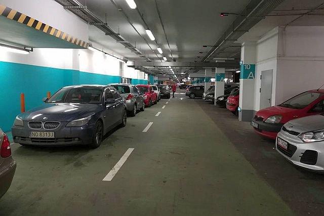 Zgubienie samochodu w galerii handlowej to koszmar, może przytrafić się każdemu