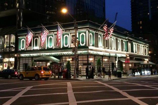 Restauracja Smith & Wollensky w Nowym Jorku