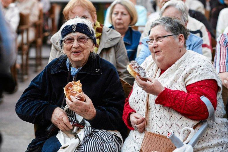 Emeryci skorzystają na obniżce PIT. Im wyższa emerytura, tym większy zysk.