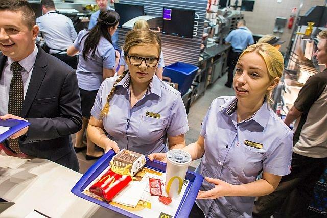 Otwarcie baru sieci McDonald's