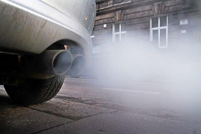 """Po 3 latach od wybuchu słynnej afery """"Dieselgate"""" naprawiono w Polsce jedynie połowę z ponad 158 tys. podlegających akcji aut."""