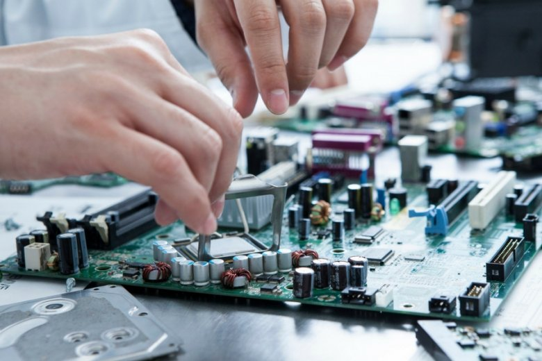 """Gdańska firma serwisująca sprzęt IT stworzyła własną """"czarną listę"""" najbardziej awaryjnych urządzeń na rynku."""