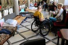 Niepełnosprawni mają otrzymać dodatek w wysokości 500 zł od września - zapowiada szef KPRM, Michał Dworczyk.