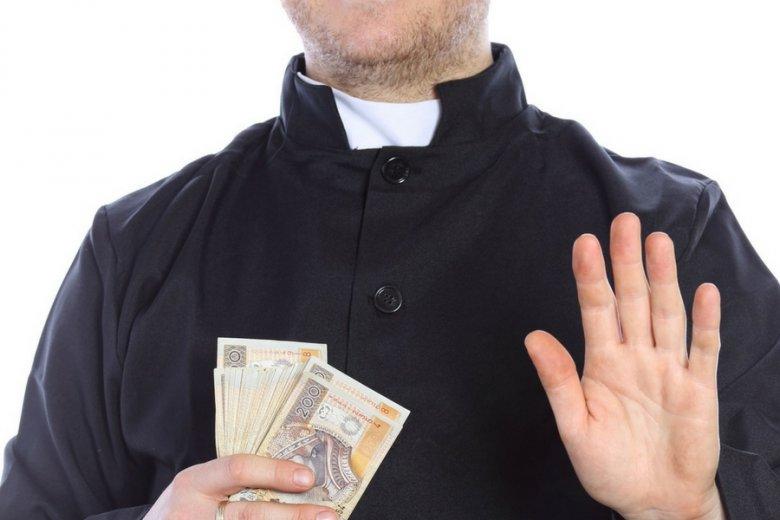 Kościoły powinny być opodatkowane, jak wszystkie organizacje - uważa filozof Jan Hartman.