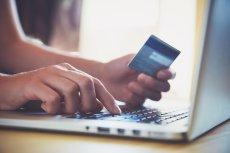 Banki mają obowiązek zwrócić pieniądze skradzione z konta klienta.