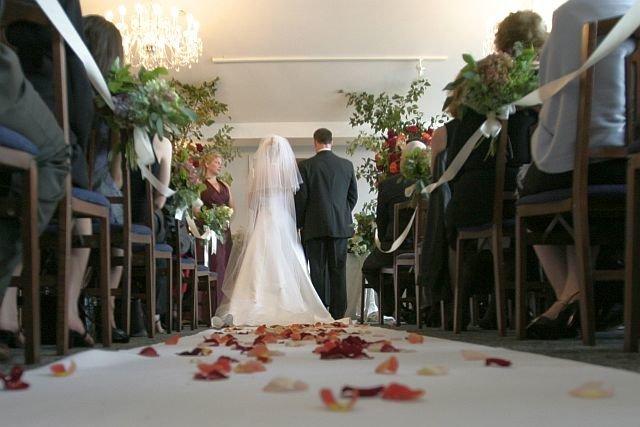 Urzędy skarbowe w całej Polsce domagają się od nowożeńców rozliczeń finansowych wesel