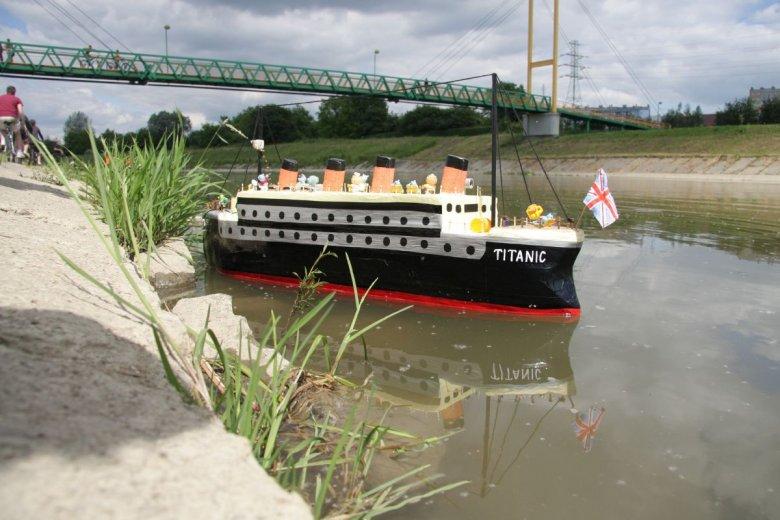 Zwiedzanie Titanica kosztuje tyle samo co nowe mieszkanie. Oczywiście chodzi o wrak na głębokości prawie 4 km.